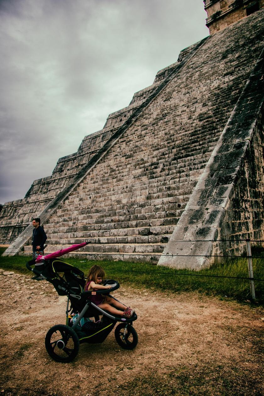 ChichenItza#16-PyramidTourists#2