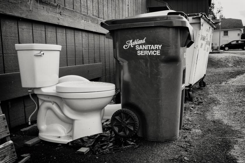ToiletInTheAlley-AnalEfexPro2